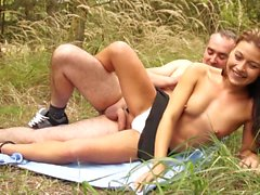 Skinny girlfriend gets fucked outdoors