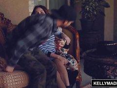 Ryan Madison füllt Rosalyn Sphinx mit ihrem ersten Creampie