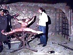 un sala de tortura de 2