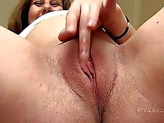 Wendy lovely pregnant redhead masturbating and fingering pussy