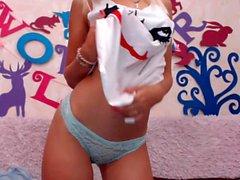 amateur rileyscarlett fingering herself on live webcam