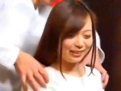 Gros seins japonais fille Hinano baisée