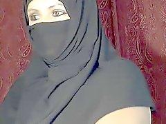 Arabische moslim meisje knipperen op de cam
