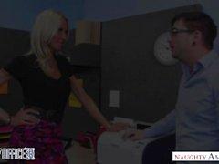 Зрелая телка Эмме Стар соблазнил ей коллега - порочная офис - Naughty America