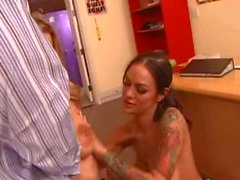 Angelina Valentine & Avy Scott fuck and share the load