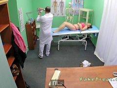 EUR Patienten Saugen Hahn der Doktor