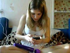 slut lexxxiwet flashing boobs on live webcam