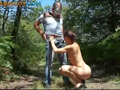 Un voyeur de défonce le cul dans les bois
