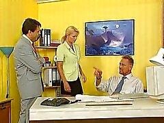 Nicoletta Mavi - Sekreteriofiste becerdin