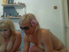 three hote mature women play on webcam p1