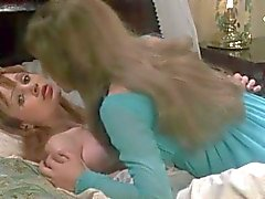 Madeline Smith ja Ingird Pitt vampyyri Lovers