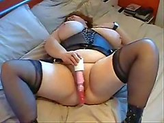 Mature bbw dildoing and gets cum
