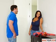 Kuuma äiti Ava Addams Caught Son