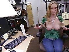Amateur chick banged by subtle fucker
