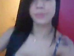 Leticia Matarazzo mostrando os peitos no Facebook