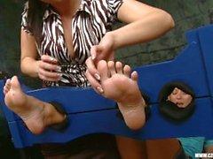 Di Sandra venerato i piedi Jana Cova