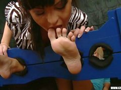 Sandra adoró los pies de Jana Cova