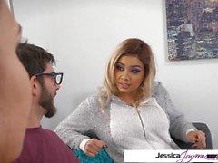 Jessica Jaymes & Aaliyah Hadid ficken einen großen Schwanz, große Beute