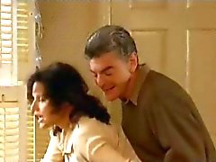 Julia Louis Dreyfus cena de sexo quente