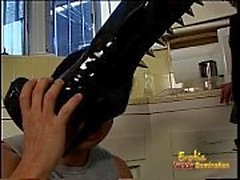 Latex-clad raven-haired harlot bangs her extremely horny repairman in the kitchen