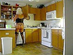 Kitchen Bitch doin her chores