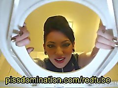 Cybill Troy Dominadora Pee do POV