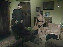 """Monicassa Roccaforte : 2 kuumaan kohtaukset """" Il Confessionale """""""