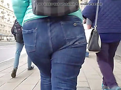 Bulky redhead gal with large booty