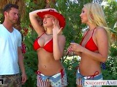 Blondinen Aaliyah Liebe und Kagney Linn Karter teilen Hahn