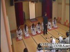 Legendado peituda endividado Japão milfs jogo do sexo balneário