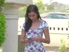 Larysa menina ftv nua em via pública