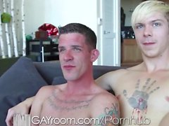 GayRoom cornea ragazzi tatuate intende cazzo a vicenda