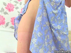 Grannies Clare and Pearl give their pantyhosed pussy a treat
