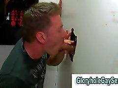 straighty gerne in ein Glory Hole Saugen ein Hahn