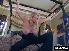Kelly Madison Lésbica Licking Boa Cumshot