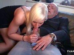 18yr de edad adolescente Alemania obtener mierda por los 64yr antigua el abuelo para de dinero