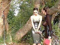 BDSM von bezaubernden Babe genießen alle Fetisch Dinge