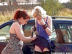Satine Spark in openbare lesbische bondage