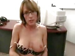 Milf Babe Saskia Gets It On In Her Stockings SM65