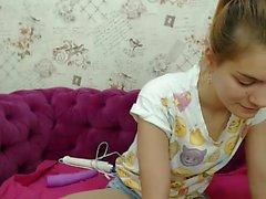 Esclavo en vivo rubia masturba juguetes muestran en la webcam