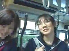 jeunes japonaises soumises pelotees grope train 2