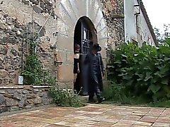 Il attache sa chienne espagnol et la baise by Clessemperor
