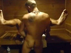 MM zwei Hairy Muscle Hunks Fick Raw an der Gymnastik