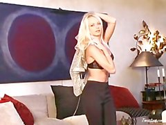 2007-04-14 Jana Cova in Blonde Is As Blonde Does