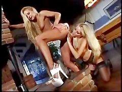Jana Cova y Joelean caliente de Sexo Lesbianas