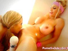 Puman & Carmen Lesbiska Porn arbete ut