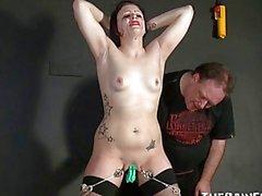 Ağlayan Amatör slavegirls Sadist Pussy İşkence