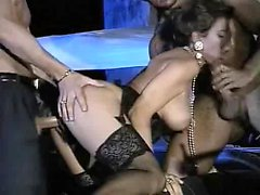Slut sucking and gets banged in classic porn