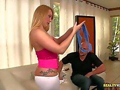 Большие задницы В блондинка Кайли Эванса имеет хорошую хуй собачьи Pornstar