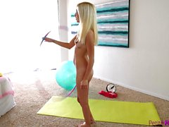 PetiteHDPorn Piper Perri hot yoga fuck